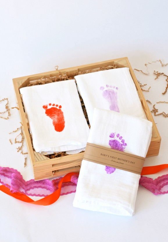 Baby S First Mother S Day Gift Idea Crate Kids Blog