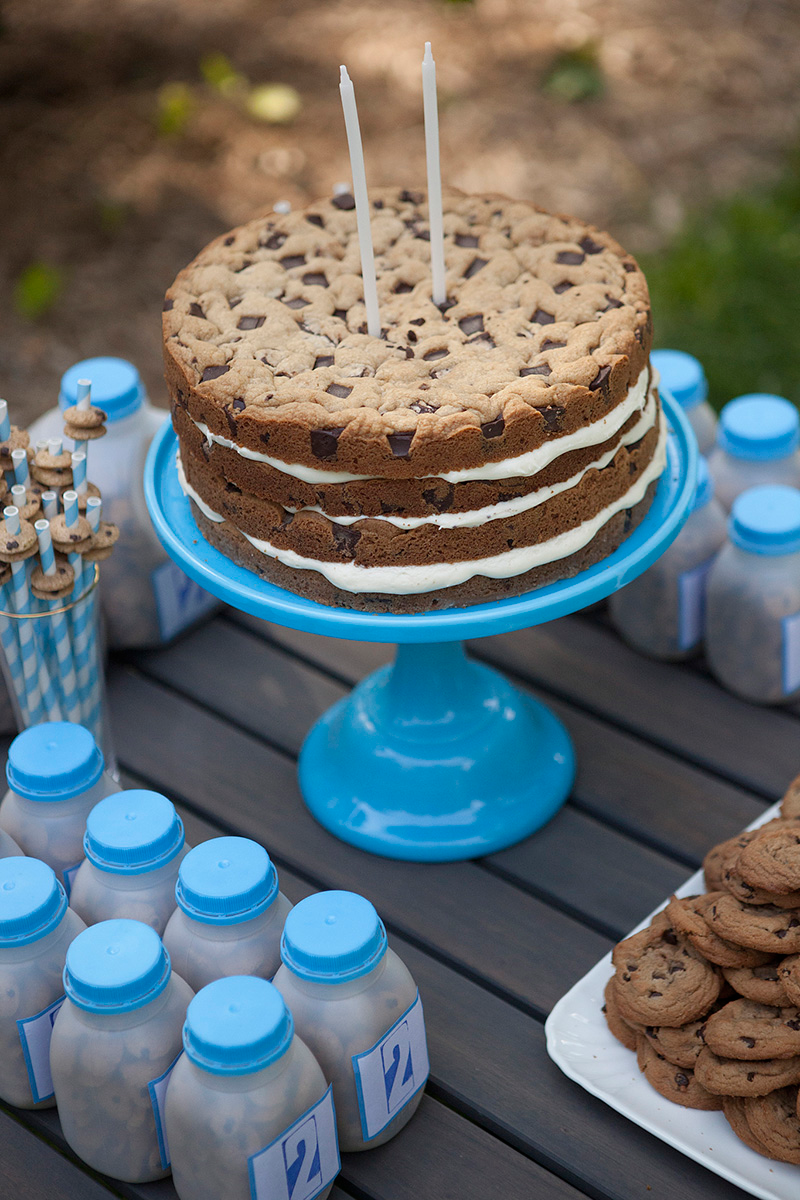 Milk And Cookies Cow Cake
