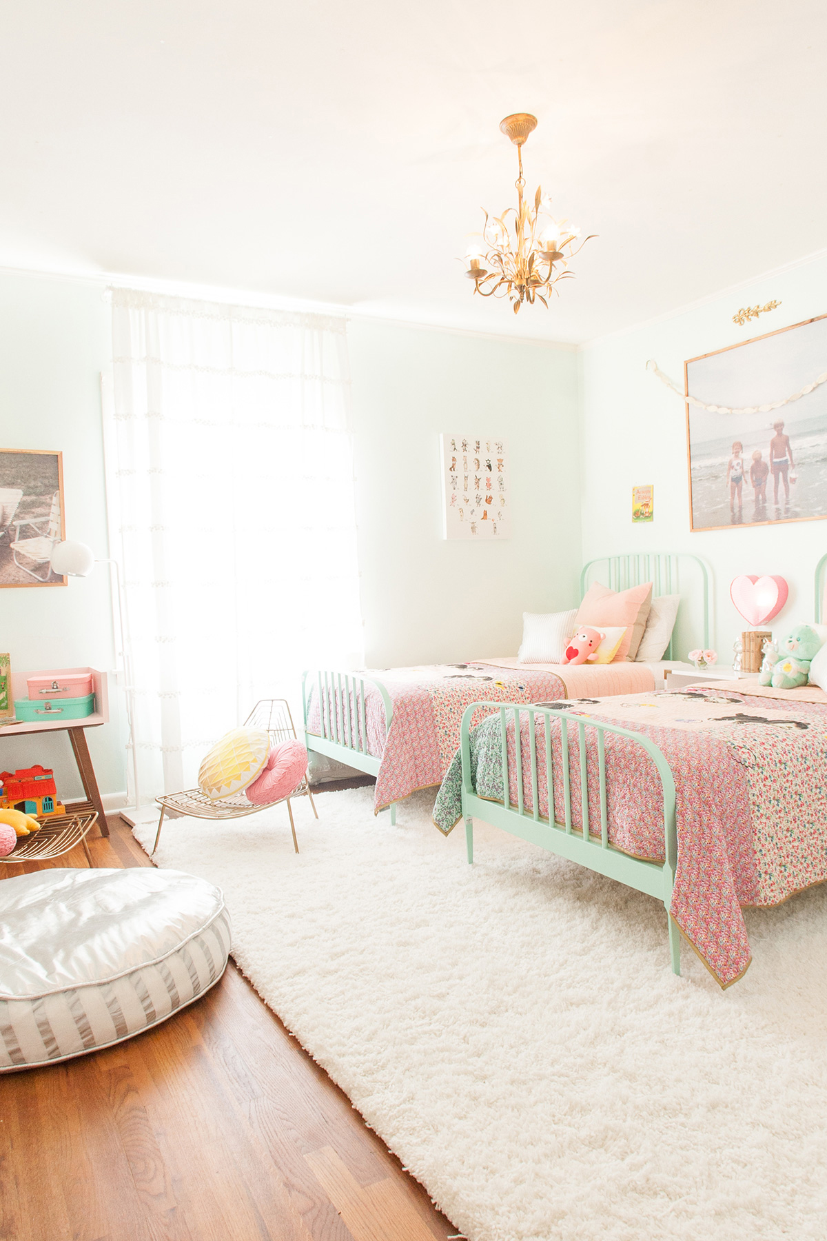 Toddler Girl Room Interior Design: A Kids Room At Grandma's House